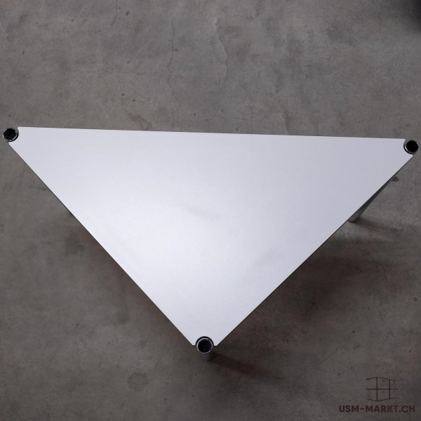 USM Haller Dreieck Tisch 90° / 45° 75 Kunstharz