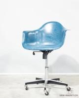 Modernica Armchair Rollingbase Blau