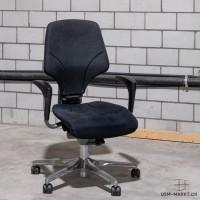 Bürostuhl G64 Stoff schwarz mit Armlehne